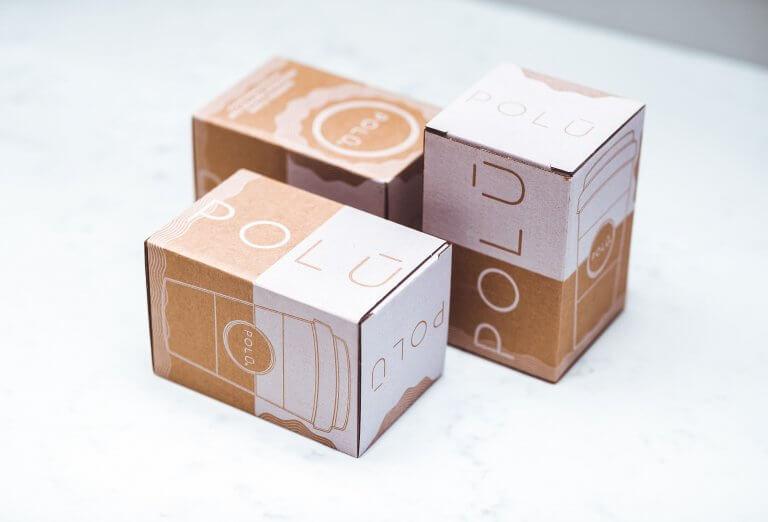 Comment réussir un emballage sur mesure parfait pour votre marque [exemples & conseils]